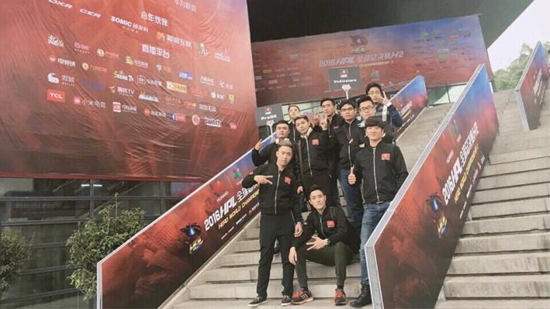 [Tập Kích HPL 2016] Những hình ảnh đầu tiên của đội tuyển Việt Nam trên đất Trung Quốc