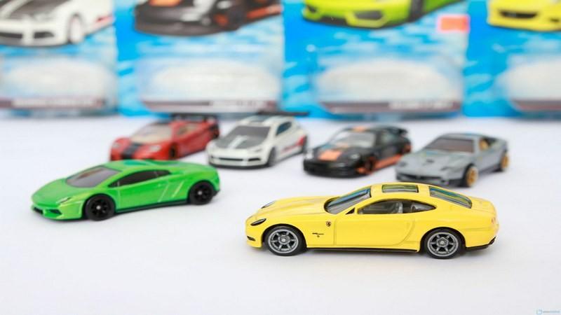 Hot Wheels: Race Off - Đua xe mô hình phiên bản tuổi thơ đổ bộ Mobile