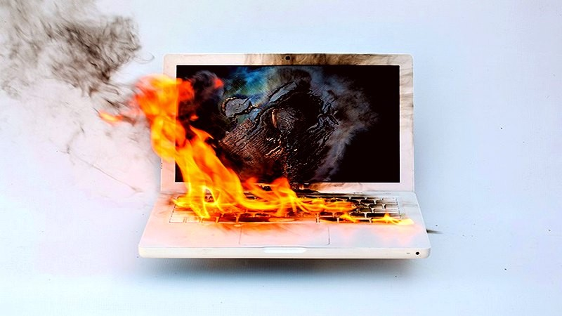 Có điên mới đi mua Laptop chơi game hơn 200 triệu