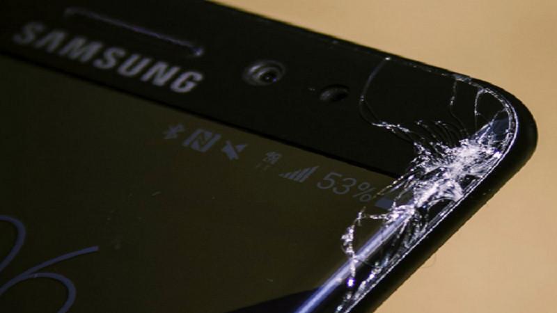 Kết quả hình ảnh cho thay màn hình lg g6 vỡ
