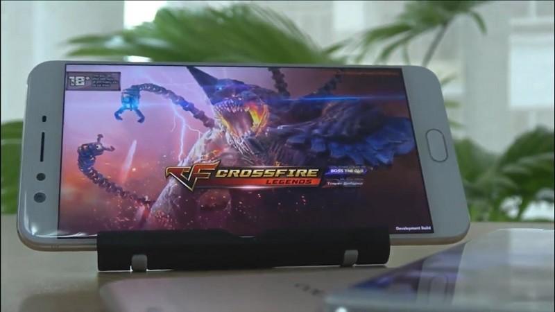 """CF Mobile Việt Nam bất ngờ """"lộ hàng"""" trong buổi ra mắt OPPO F3 Plus"""