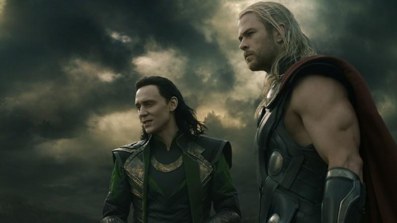 Loki và Thor đứng cùng một chiến tuyến trong trailer mới của Thor: Ragnarök