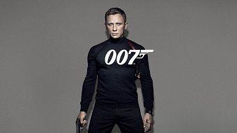 Daniel Craig tiếp tục quay trở lại làm điệp viên 007 trong Bond 25