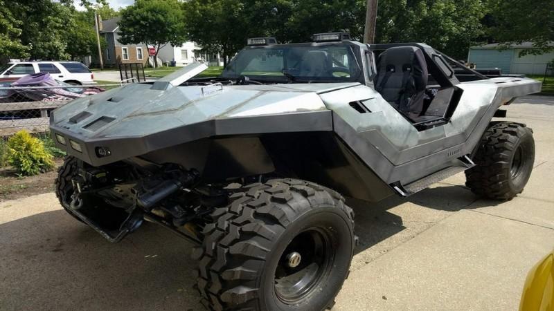 Fan Halo chế nguyên xe chiến đấu khét tiếng ngoài đời thật