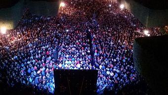 Hàng chục nghìn người tụ họp ngoài trời để xem 2 tập cuối của Dragon Ball Super