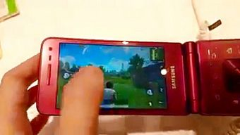 """PUBG Mobile - """"Thất kinh"""" khi game chạy được trên điện thoại gập"""
