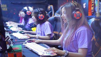 """The Queen Team lần đầu """"đại chiến"""" với các Oppa Hàn Quốc Zombie King trên Nimo TV"""