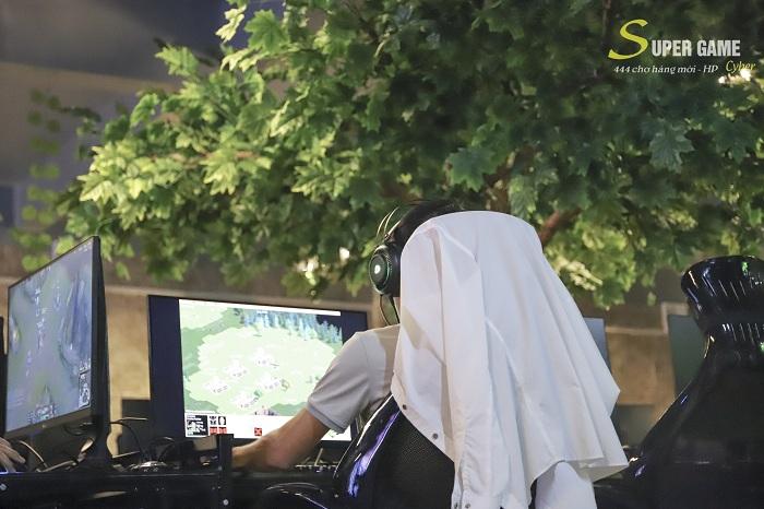 """IMG9472 Theo chân Hau Zozo đến trải nghiệm Super Game - cyber siêu """"khủng"""" đạt chuẩn 5 sao tại Hải Phòng"""