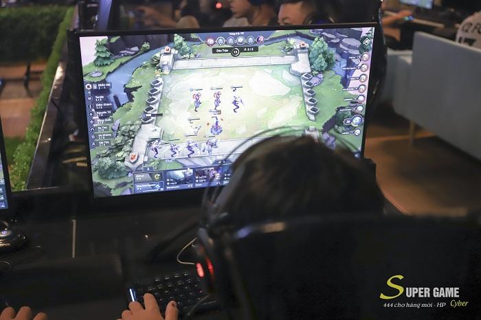 """IMG9483 Theo chân Hau Zozo đến trải nghiệm Super Game - cyber siêu """"khủng"""" đạt chuẩn 5 sao tại Hải Phòng"""