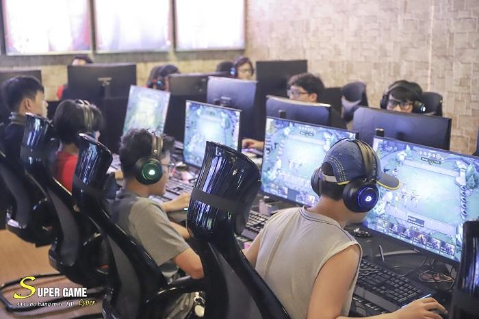 """IMG9518 Theo chân Hau Zozo đến trải nghiệm Super Game - cyber siêu """"khủng"""" đạt chuẩn 5 sao tại Hải Phòng"""