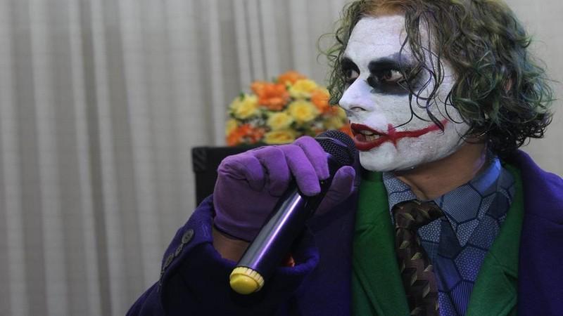 brazil game show, cosplay, cosplay joker, cosplayer, game show, joker