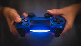 Tay cầm PS5 còn có thể theo dõi mồ hôi, đo nhịp tim game thủ?