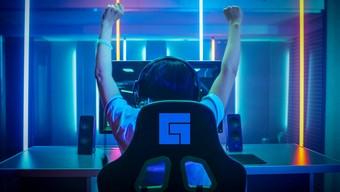 twitch, livestream, streamer, facebook gaming, creator