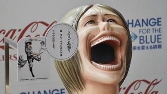 attack on titan, hajime isayama, đại chiến người khổng lồ, thùng rác